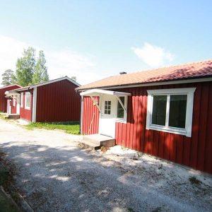 Uskavigården Sjöstuga Stugby
