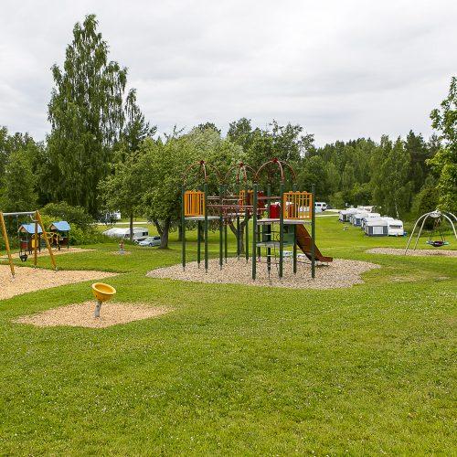 En av de många lekplatserna  som finns på camping området